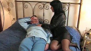 Brunette Italian wife goes to her lover
