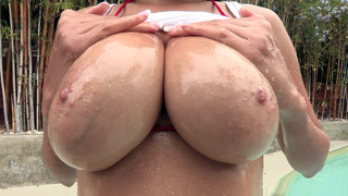 Cassidy Banks caressed and squeezed those big naturals