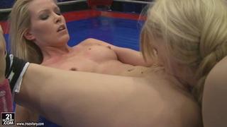 Sophie Moone fighting naked inside the ring