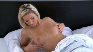 Vibrator quickie with Vanessa