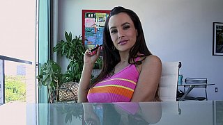 Handjob from Lisa Ann