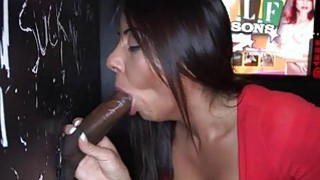 Chick creates wild pleasures with sexy sucking