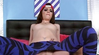 Guy fucks cute chick in her hole and magic mouth