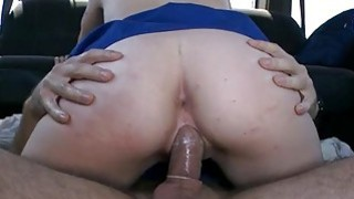 Babe is bestowing licks on dudes biggest wang