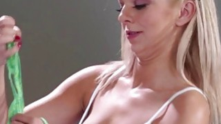Alexis Fawx licks pussy filling her mouth with cum