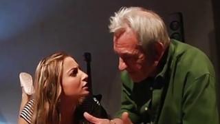 13歳の男性のセクシーなクソビデオホットポルノによって犯さ学校の女の子[6:34x720p]